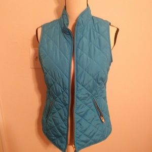 Turquoise puffer vest by Crown & Ivy sz small